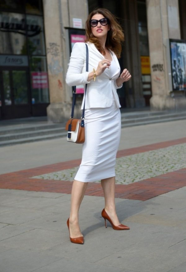 all white business attire outfit for women