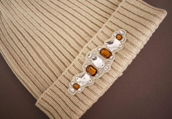 diy jeweled beanie via bmodish