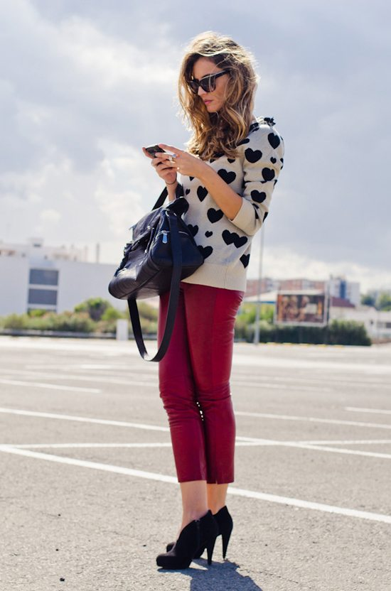 love printed jumper outfit via bmodish