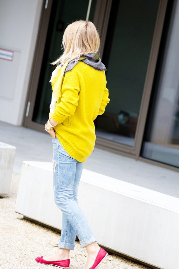neon lime jumper with pink flats bmodish