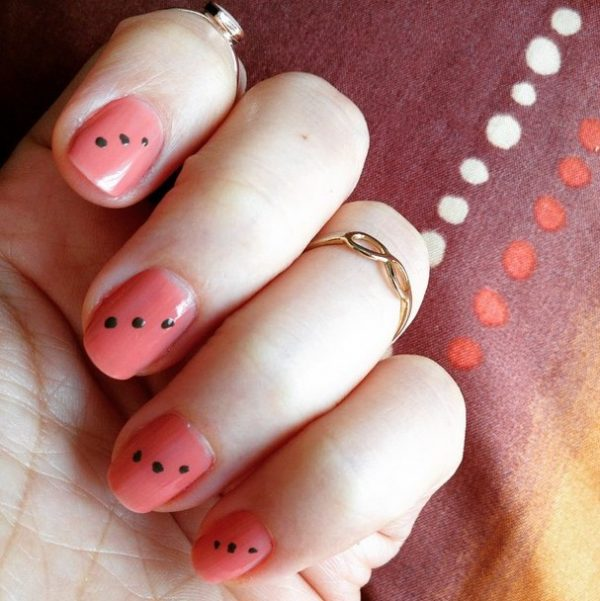 22 fun and easy nail designs for beginners be modish three dots simple easy nail art bmodish prinsesfo Images