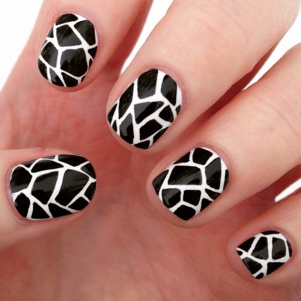 simple black and white nails bmodish