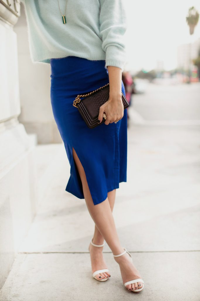 cobalt blue side split pencil skirt with sweater outfit