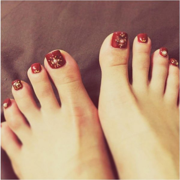 embellished red hot toenails bmodish