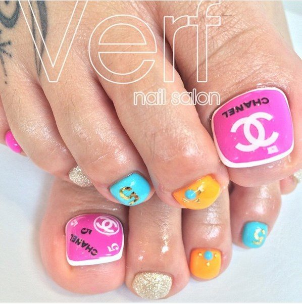 neon chanel toenails bmodish