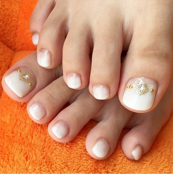 ombre embellished toenails bmodish