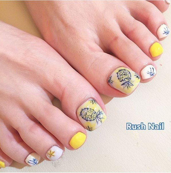 pineapple summer toenails bmodish