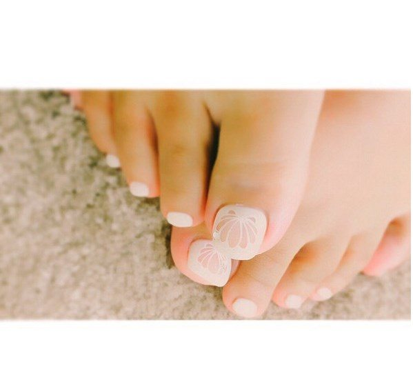 white soft shell toenails bmodish