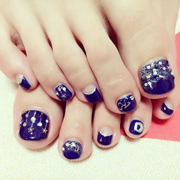 blue christmas toe nail art bmodish