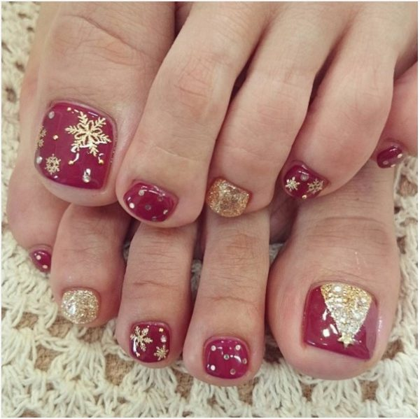 gold christmas tree toe nail art bmodish