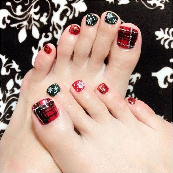 plaid and snowflakes christmas toe nail design bmodish
