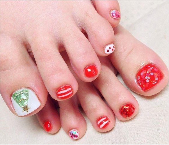 pretty toe christmas nail art bmodish