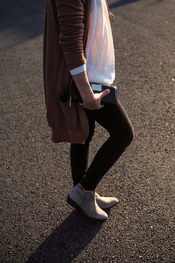 simple cozy brown cardigan fall outfit bmodish