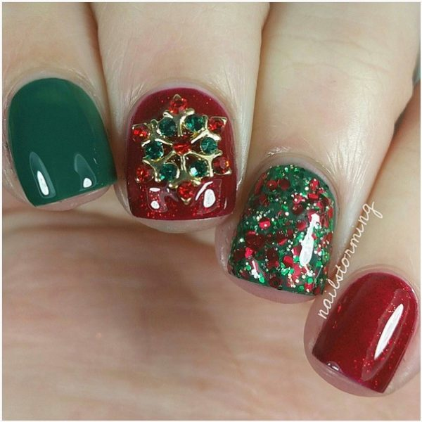 mix and match red and green christmas nail art bmodish