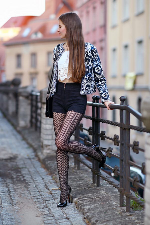 black patterned tights black pumps suede shorts bmodish