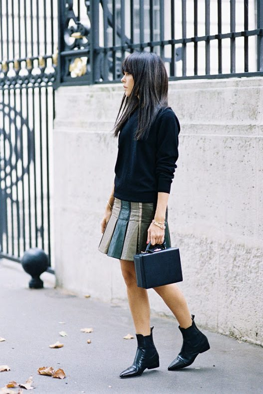 black sweater jumper with mini pleated skirt bmodish