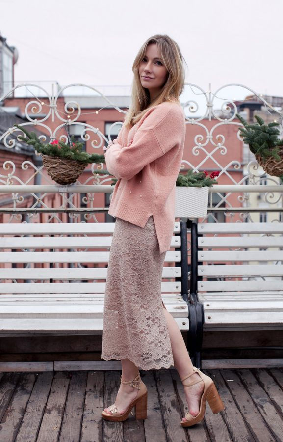 lace pencil skirt with pink sweater outfit bmodish
