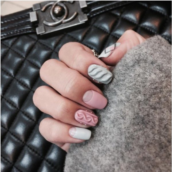 pink and light grey knit nail bmodish