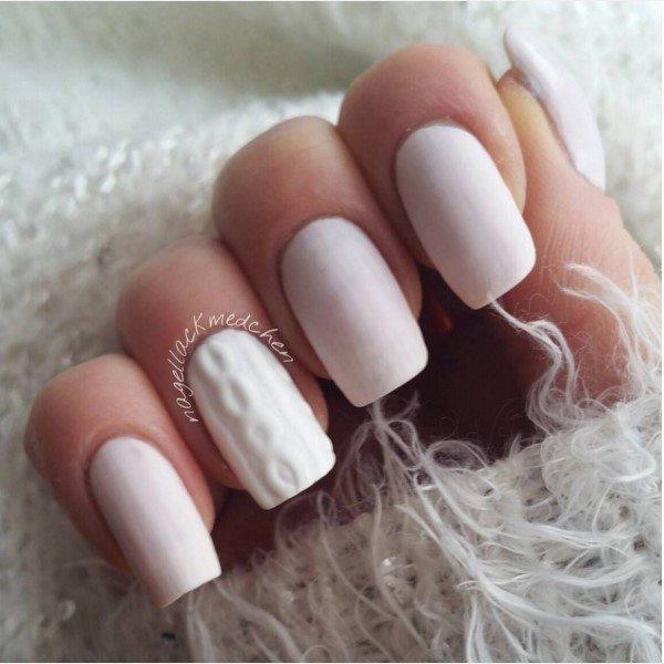 white knit sweater nails bmodish