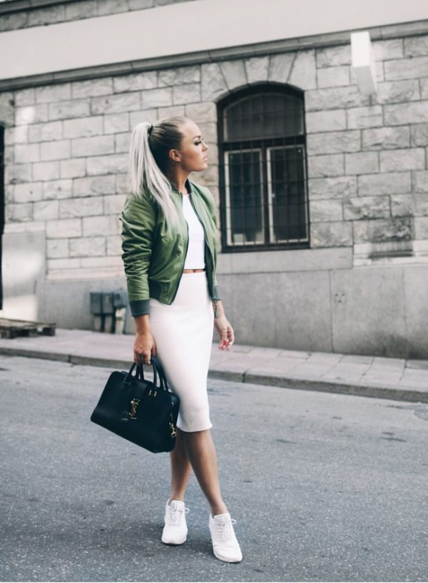 stylish bomber jacket outfit