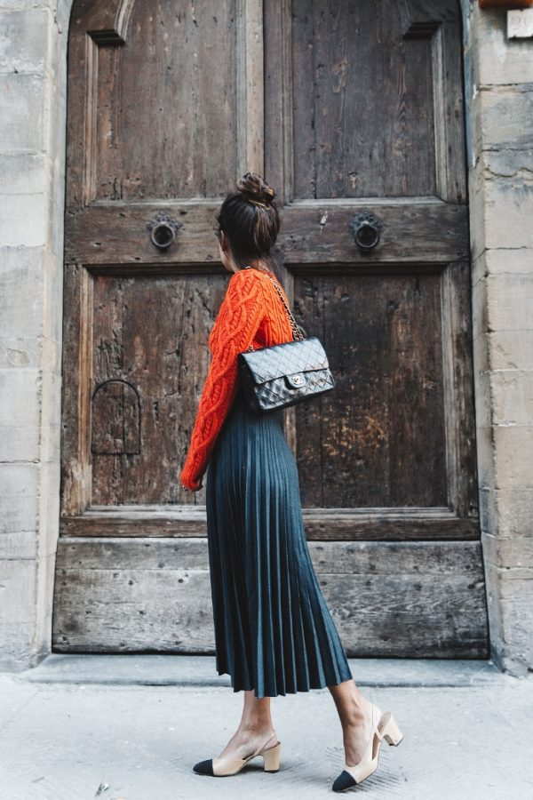 midi pleated skirt with orange sweater bmodish