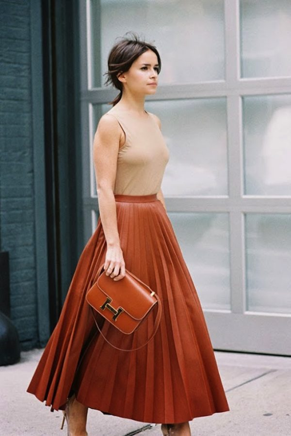 pleated skirt street style look bmodish