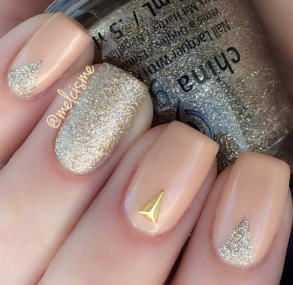 neutral nails with glitter accents bmodish