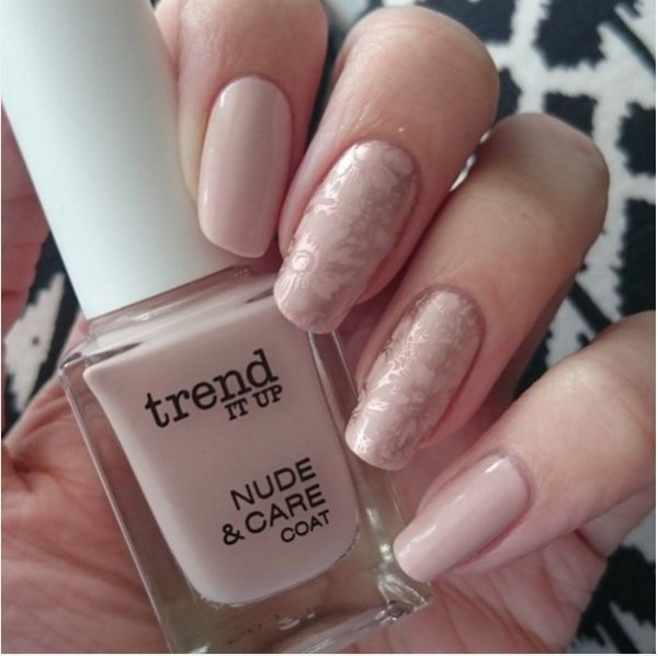 nude nails with gold stamping bmodish