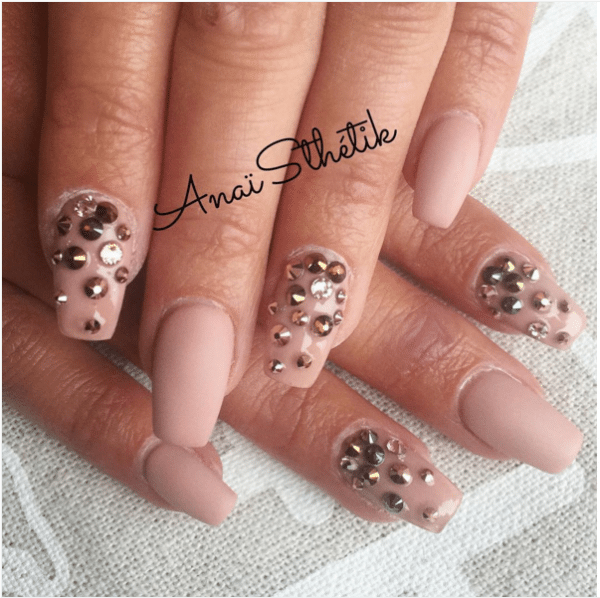 Nude nail art designs that will look great on every skin tone be studded nude color nails bmodish prinsesfo Images