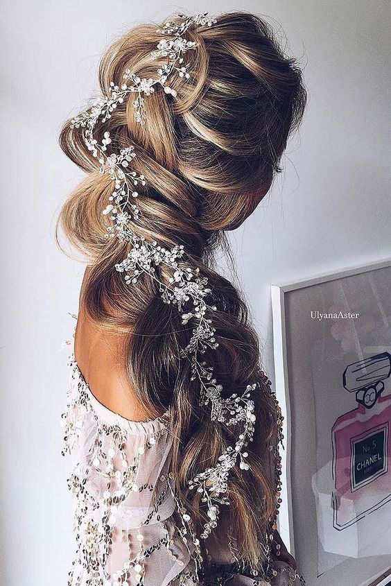 27 Gorgeous Wedding Hairstyles For Long Hair In 2019: Stunning Wedding Hairstyles With Braids For Amazing Look