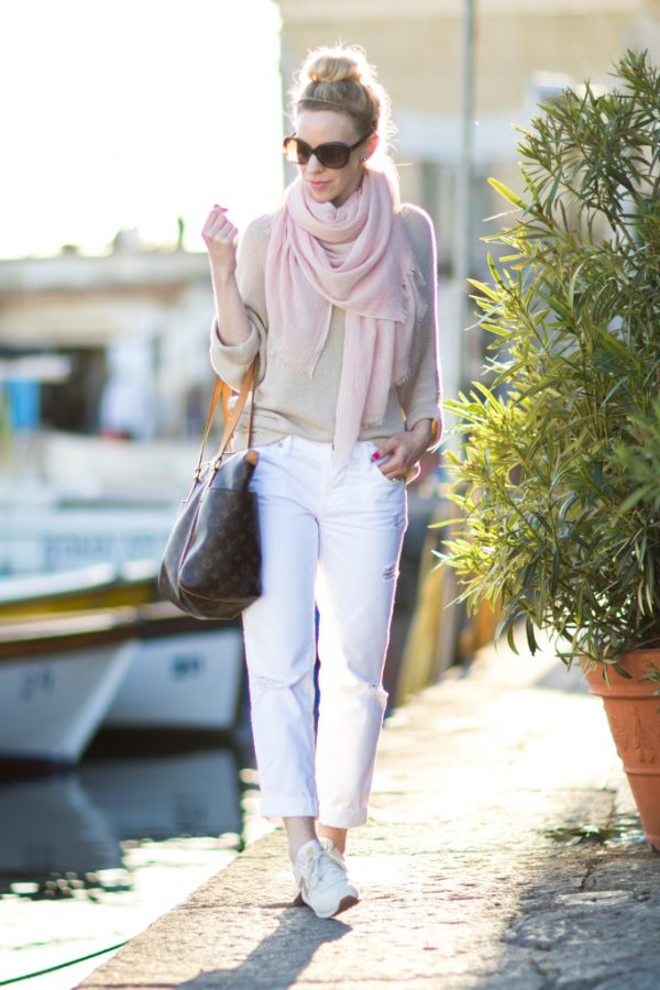 blush-pink-scarf-with-beige-sweater-outfit-white-boyfriend-jeans-how-to-wear-pink-and-white-for-spring-bmodish