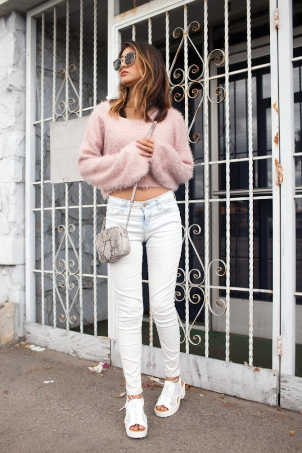 comfy cropped blush sweater with white jeans bmodish