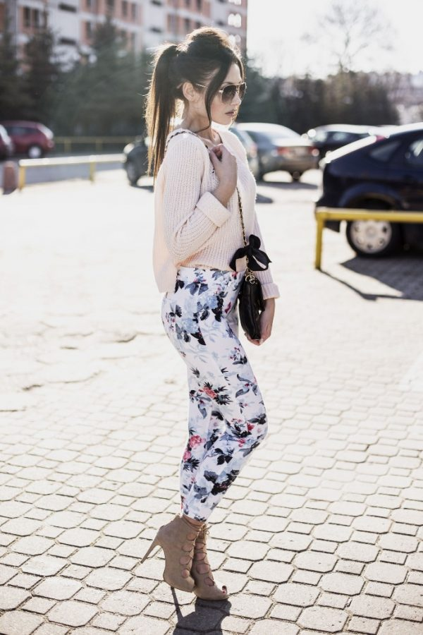 floral jeans with sweater cute spring outfit idea bmodish