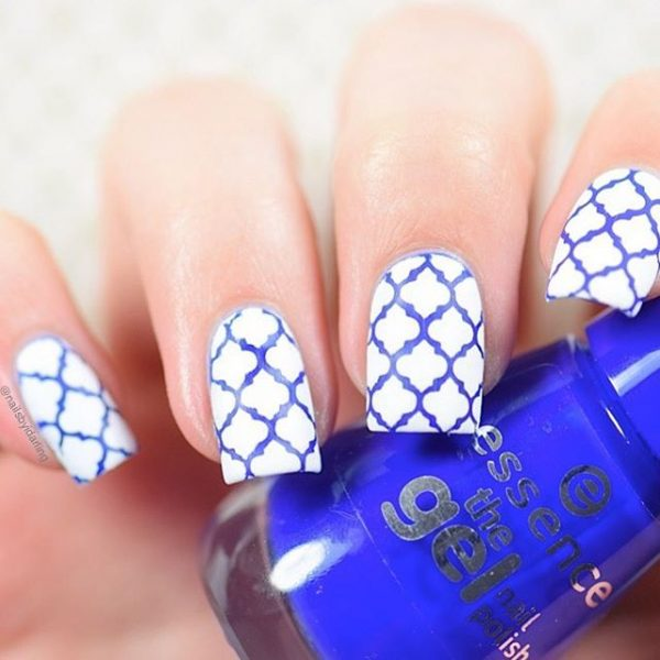 blue and white maroccoan nail art bmodish