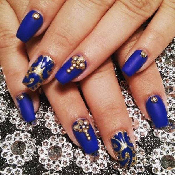 embellished gold and royal blue nail design bmodish - Experience The Glamorous Style Of Royal Blue Nail Designs - Be Modish