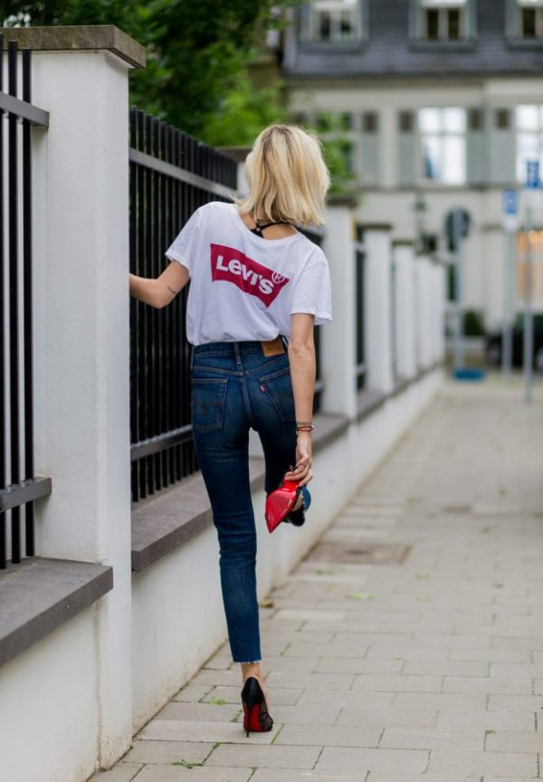 levis tee with high waisted skinny jeans bmodish