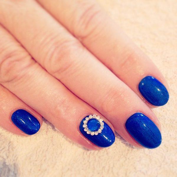 royal blue nail with diamond accent bmodish