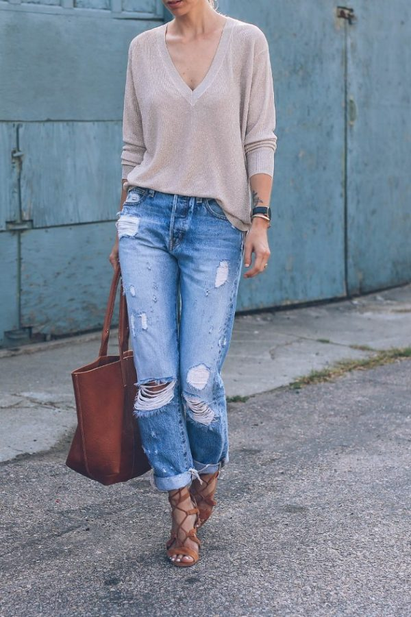 boyfriend ripped jeans casual outfit bmodish