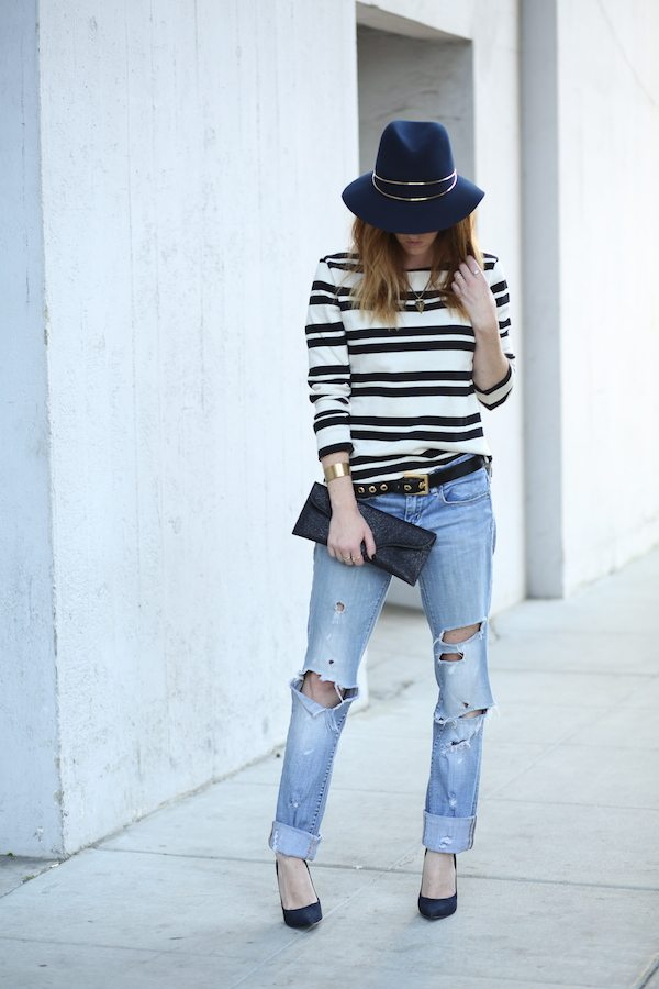 striped tee with ripped jeans casual outfit bmodish