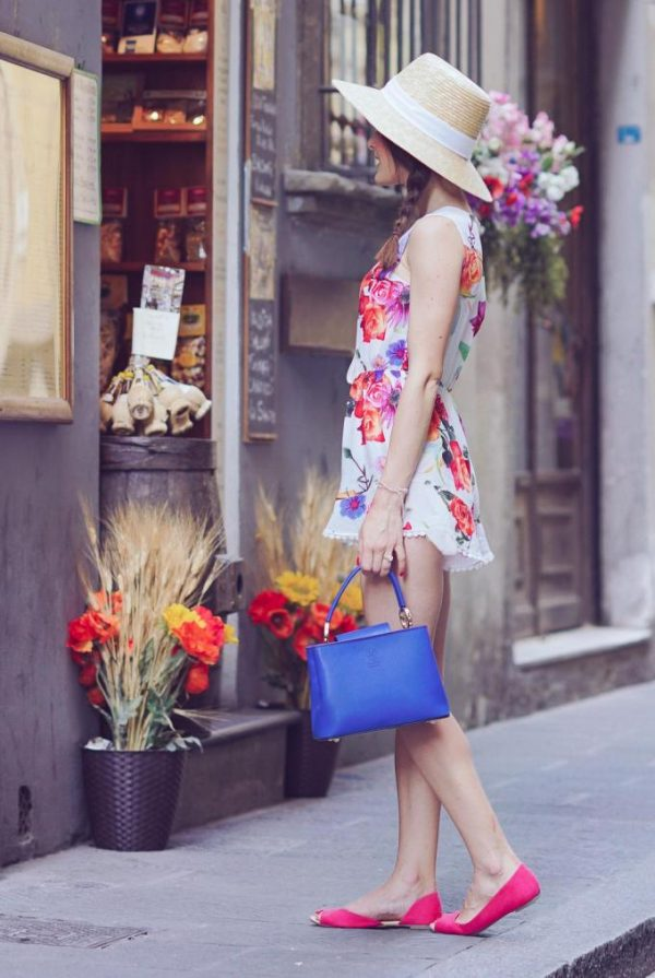 cute-floral-romper-with-straw-hat-outfit-bmodish