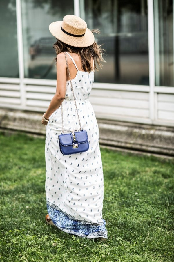 maxi-dress-with-straw-hat-outfit-bmodish