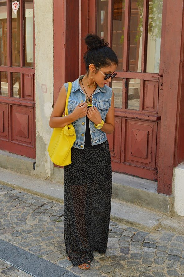 summer-maxi-dress-with-denim-vest-outfit-bmodish