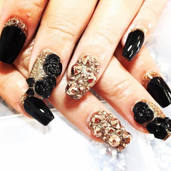 black gold nails 3d nail art bmodish - Glamorous Black And Gold Nail Designs - Be Modish
