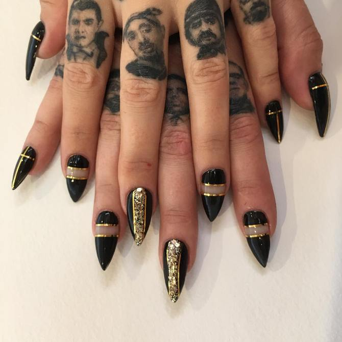 black and gold nail tape bmodish - Glamorous Black And Gold Nail Designs - Be Modish