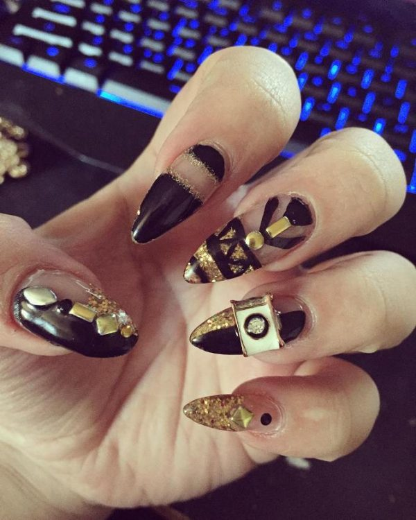 black and gold new year nail art bmodish