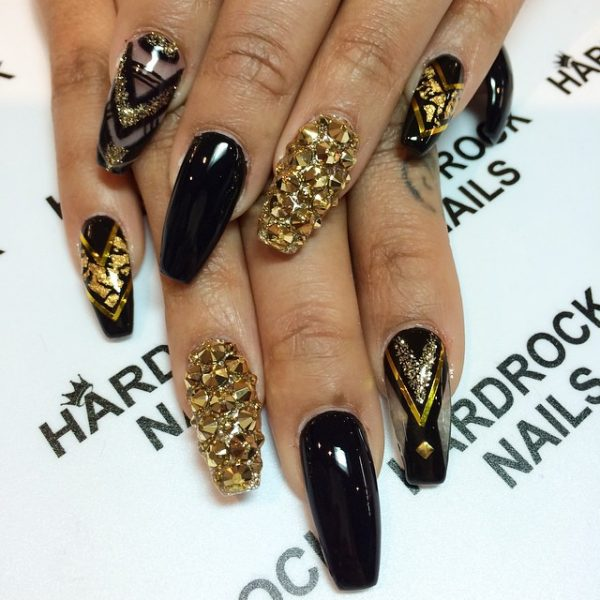 black and studded gold nail design bmodish - Glamorous Black And Gold Nail Designs - Be Modish