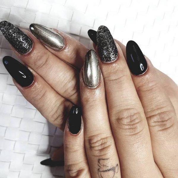 mirror nails and black nails bmodish