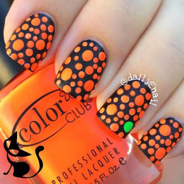 simple polka dot halloween nails bmodish