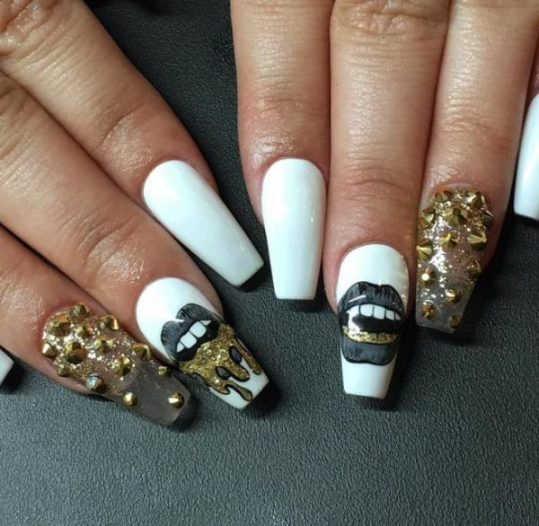 Black tip nails with design