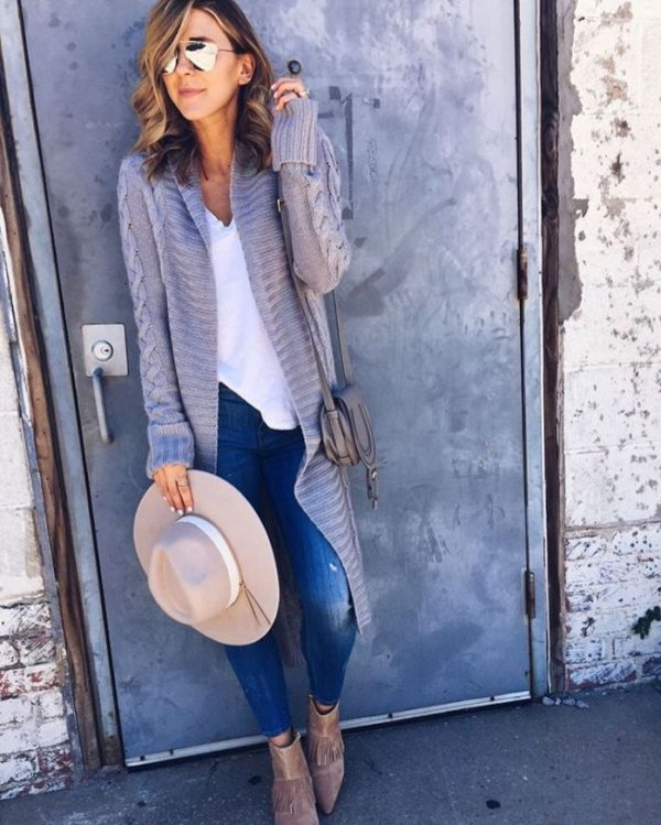 22f7511a0c Comfy and Cozy Long Cardigan Outfits For This Season - Be Modish